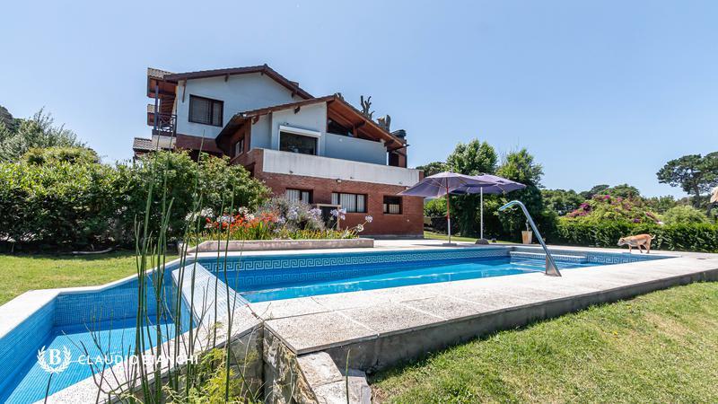 Foto Casa en Venta en  Sierra De Los Padres,  Mar Del Plata  ignacio 135