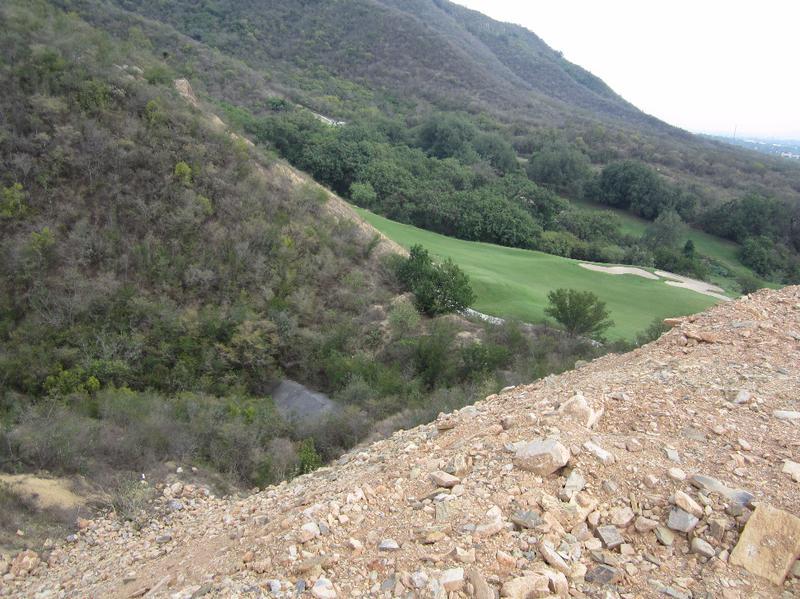 Foto Terreno en Venta en  Residencial y Club de Golf la Herradura Etapa B,  Monterrey  TERRENO EN VENTA  LA HERRADURA  CLUB DE GOLF  CARRETERA NACIONAL MONTERREY N.L.