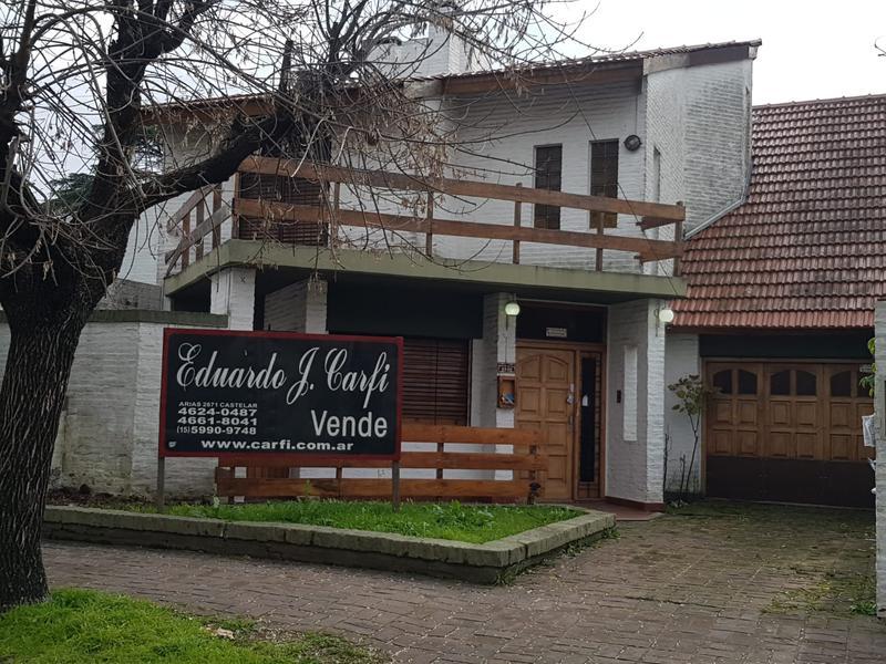 Foto Casa en Venta en  Castelar Norte,  Castelar  Montes de Oca al 2500