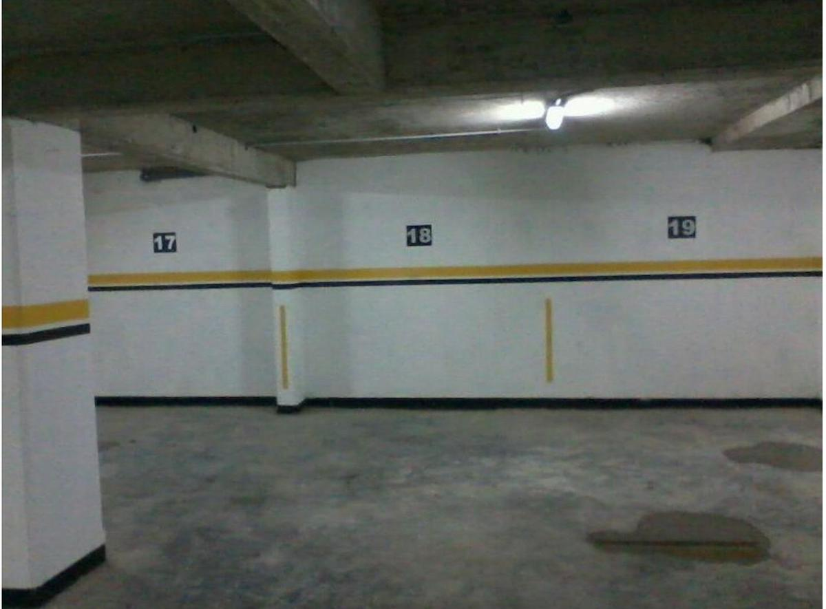 Foto Cochera en Venta en  Macrocentro,  Rosario  Rodriguez 1100