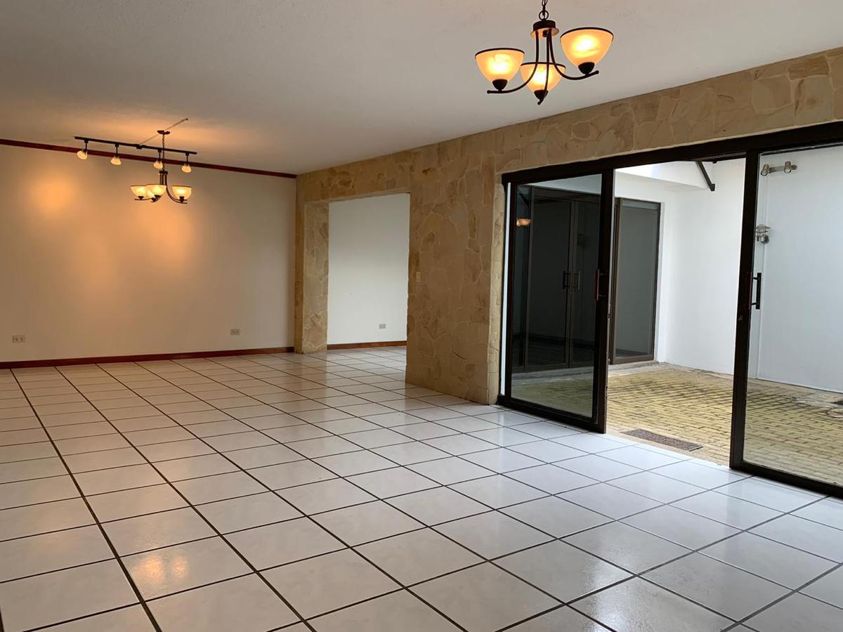 Foto Casa en condominio en Venta en  Escazu ,  San José  Casa en Venta en Escazu $290.000 (Excelente ubicación)