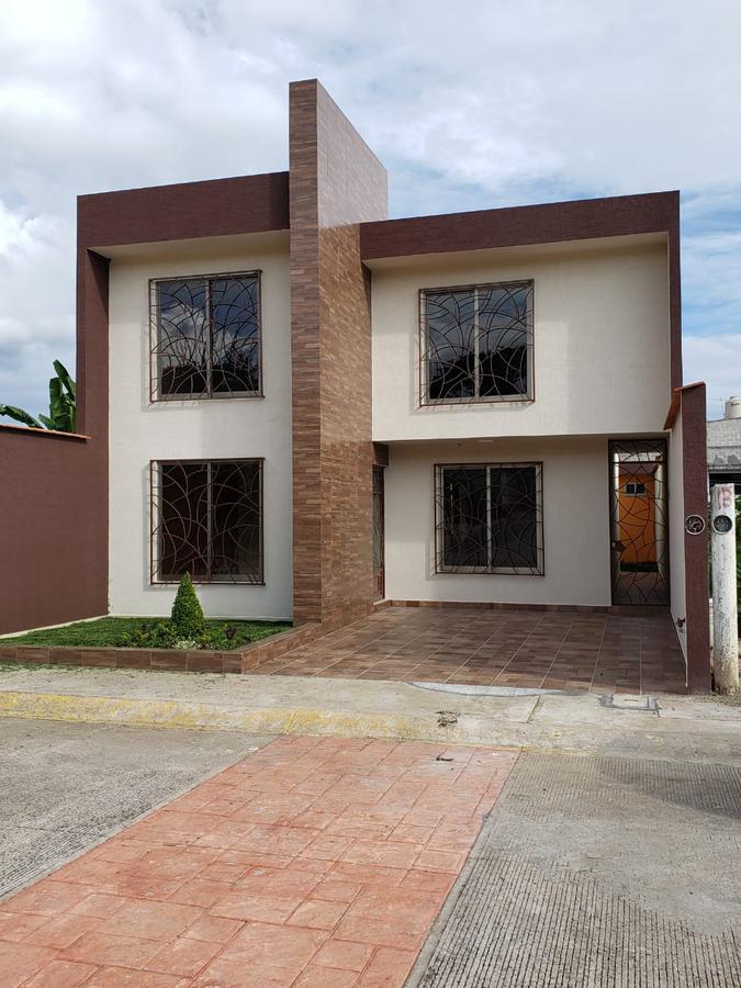 Foto Casa en Venta en  Campo Viejo,  Coatepec  CASA EN VENTA EN FRACC. EXCLUSIVO PRIVADO EN COATEPEC, VER.