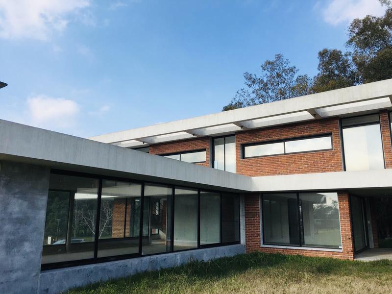 Foto Casa en Venta   Alquiler en   Cumbres de Carrasco,  Countries/B.Cerrado (Carrasco)   Cumbres de Carrasco