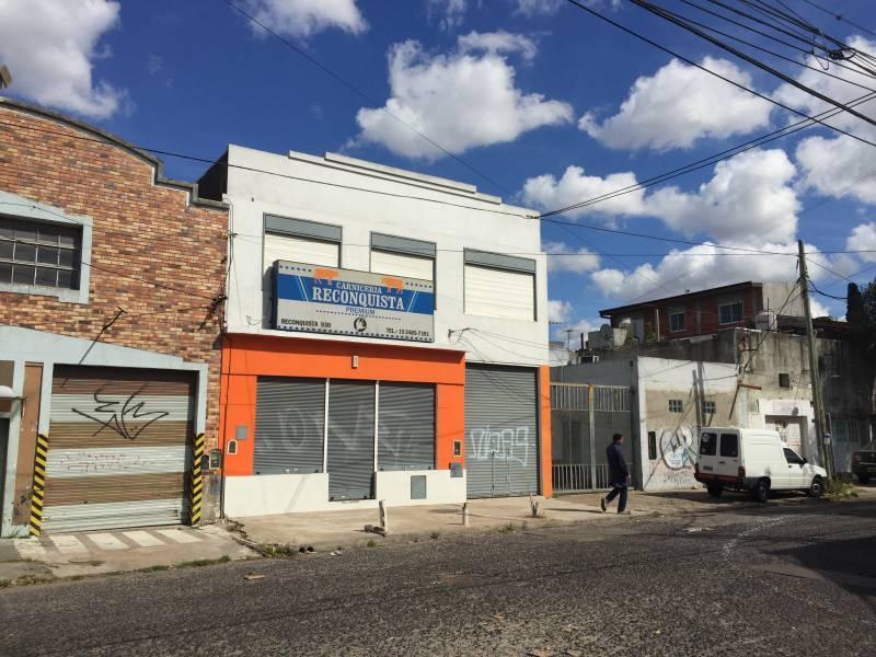Foto Local en Alquiler en  Ciudadela,  Tres De Febrero  Reconquista al 900