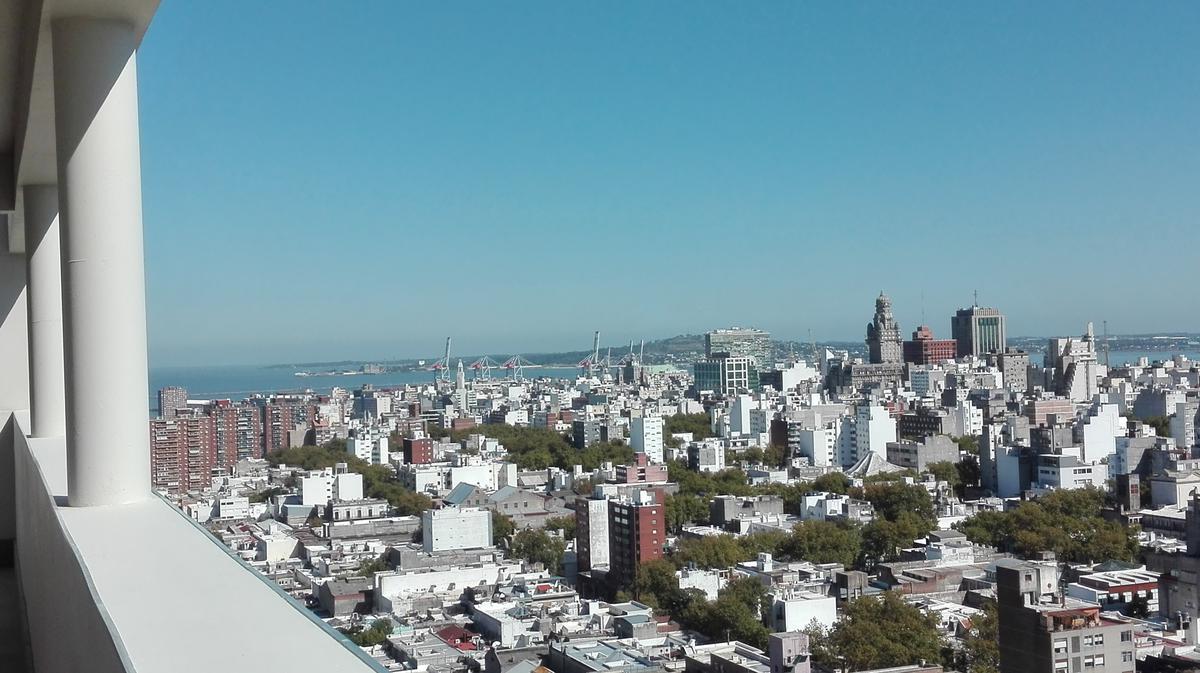 Foto Departamento en Venta en  Palermo ,  Montevideo  Palermo