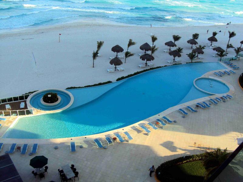 Foto Departamento en Venta | Renta en  Zona Hotelera,  Cancún  DEPARTAMENTO PORTOFINO CANCUN  3  RECAMARAS