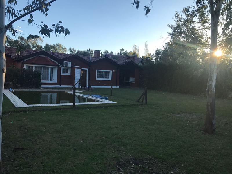 Foto Casa en Alquiler en  Echeverria Del Lago,  Countries/B.Cerrado  ECHEVERRIA DEL LAGO