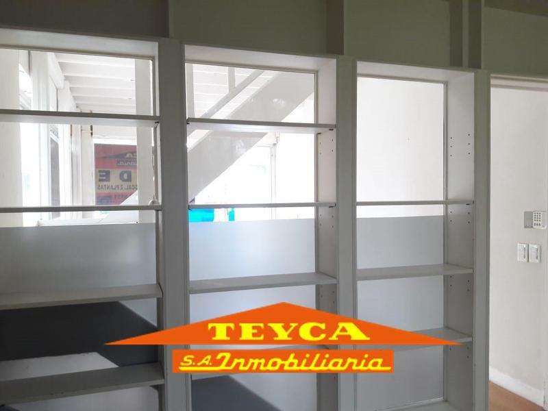 Foto Local en Alquiler en  Centro,  Pinamar  DE LAS Artes 275 E/ Av. Libertador y Toninas