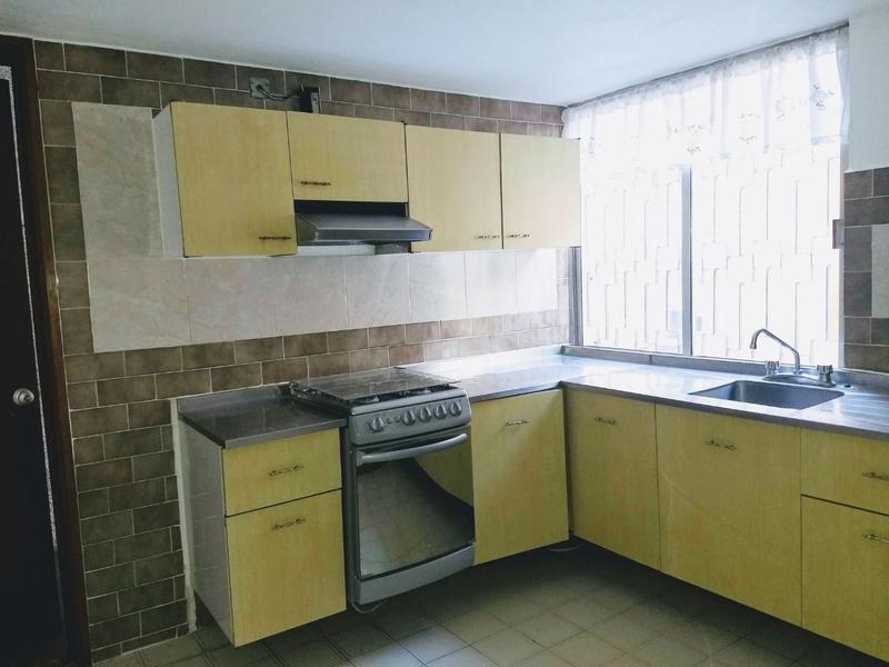 Foto Casa en Renta en  Nueva Santa María de las Rosas,  Toluca  CASA SOLA EN RENTA o VENTA PINO SUAREZ  TOLUCA