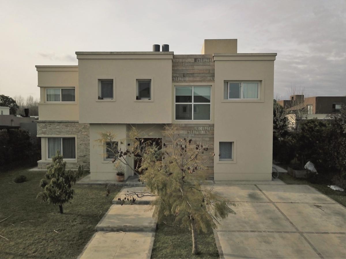 Foto Casa en Venta en  Las Liebres,  Countries/B.Cerrado (Pilar)        Casa en Barrio Las Liebres