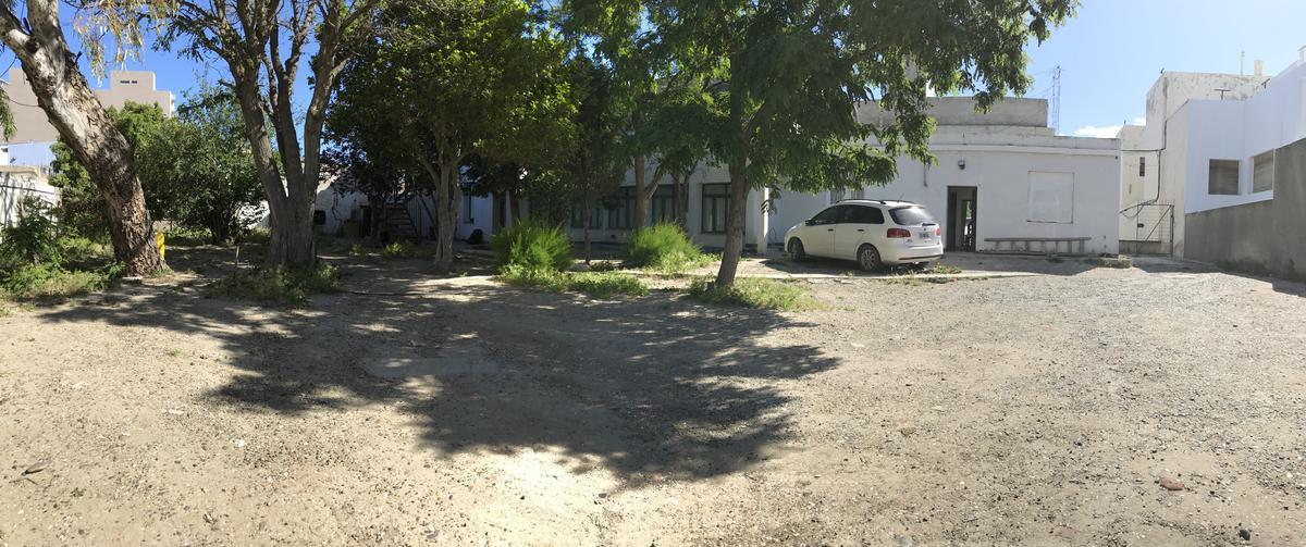 Foto Terreno en Venta en  Centro,  Comodoro Rivadavia  Urquiza al 700