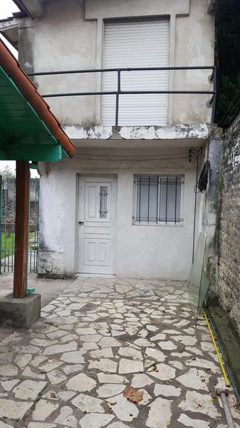 Foto PH en Alquiler en  Lomas de Zamora Oeste,  Lomas De Zamora  BOQUERON al 700