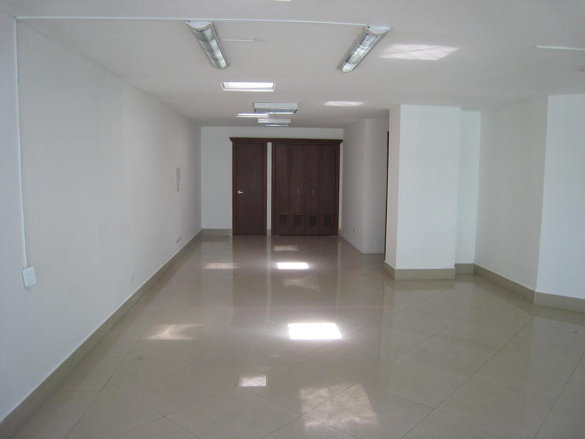 Foto Local en Alquiler en  Centro Norte,  Quito  Francisco Salazar y José Tamayo