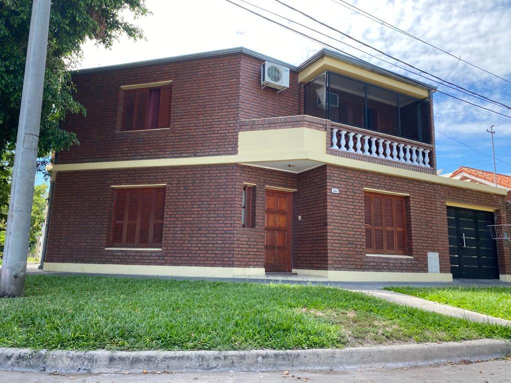Foto Casa en Venta en  Sargento Cabral,  Santa Fe  Mitre y Ruperto Godoy