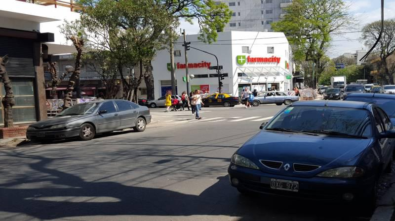 Foto Local en Alquiler en  Colegiales ,  Capital Federal  J. Newbery al 3300