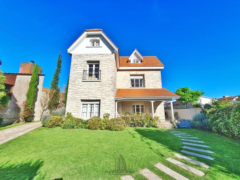 Foto Casa en Venta en  Stella Maris,  Mar Del Plata  Lavalle al 2900