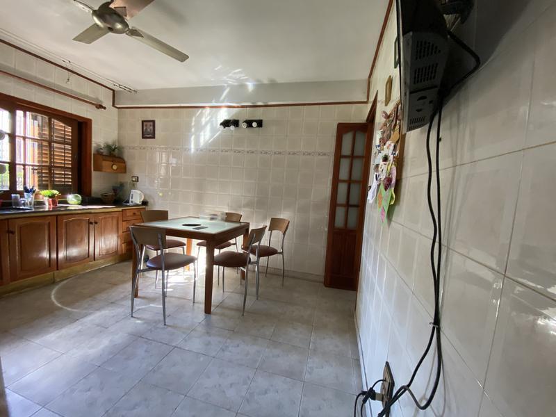 Foto Casa en Venta en  Arroyito,  Rosario  Avenida Portugal al 1800