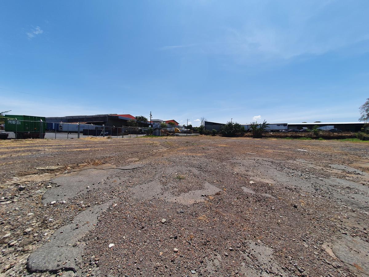 Foto Terreno en Venta | Renta en  Belen ,  Heredia  Cariari / Terreno Industrial / Calle sin salida / 4531 m2 / 90m de frente