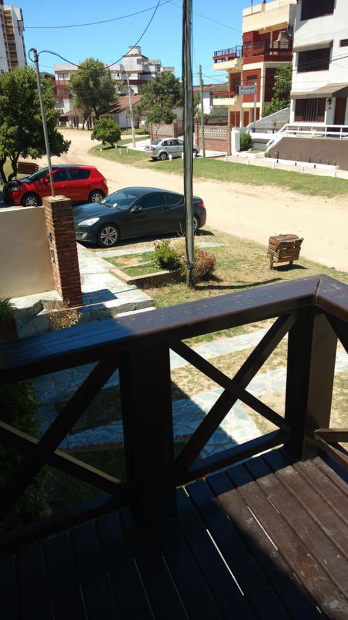 Foto Casa en Venta en  Villa Gesell ,  Costa Atlantica  Paseo 139 y calle 2