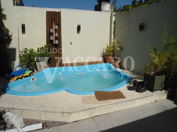 Foto Casa en Venta en GRAL. MUNILLA entre AVELLANEDA NICOLAS y CASARES CARLOS, G.B.A. Zona Oeste | Moron | Castelar