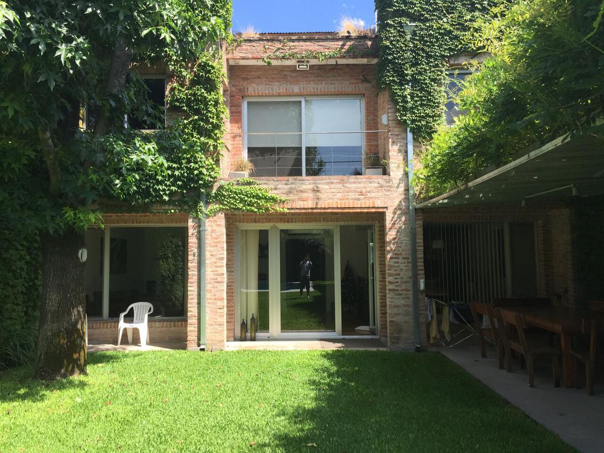 Foto Casa en Venta en  Las Lomas-San Isidro,  Las Lomas de San Isidro  Francia al 2900