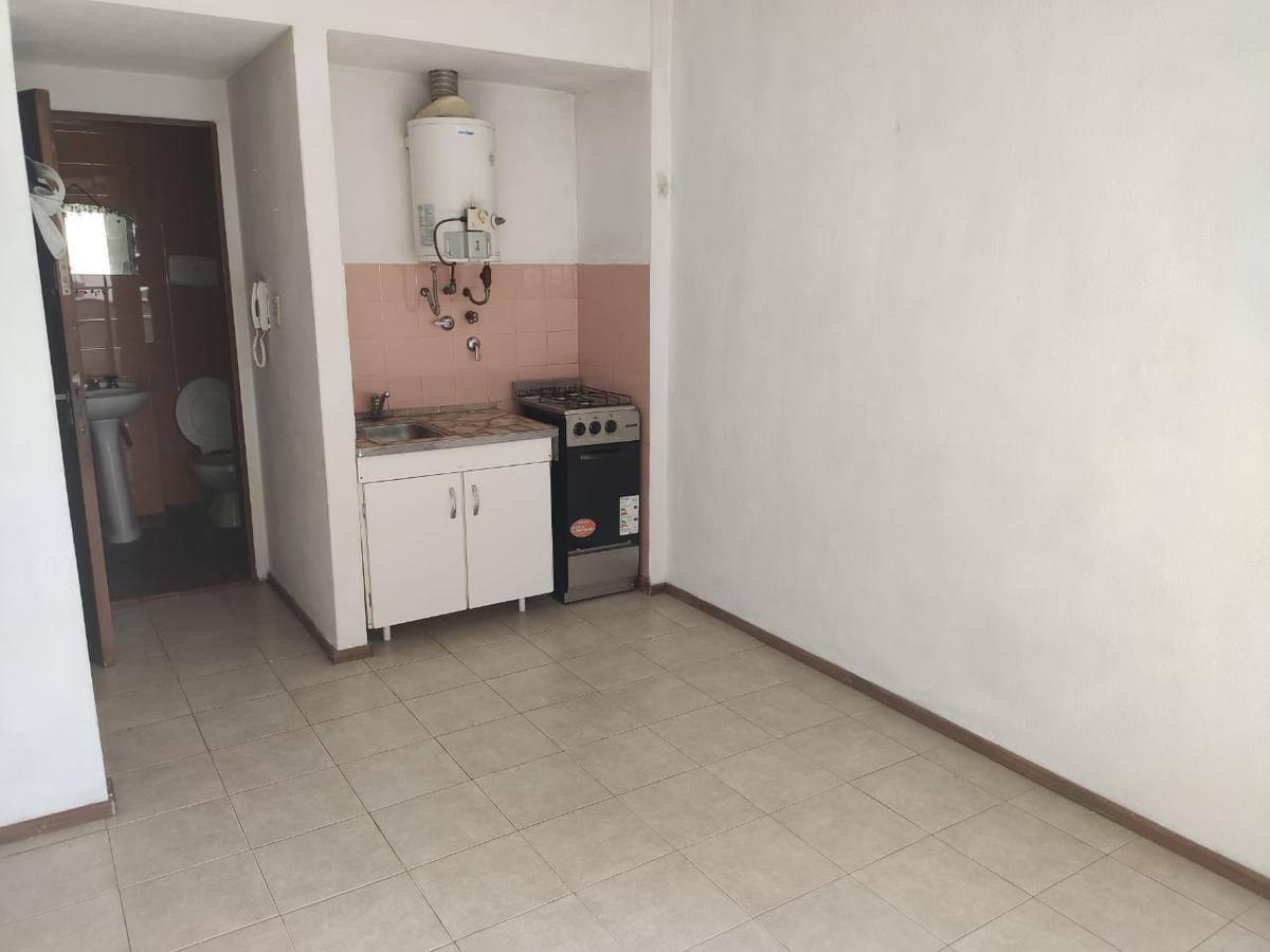 Foto Departamento en Alquiler en  Pichincha,  Rosario  Suipacha al 300