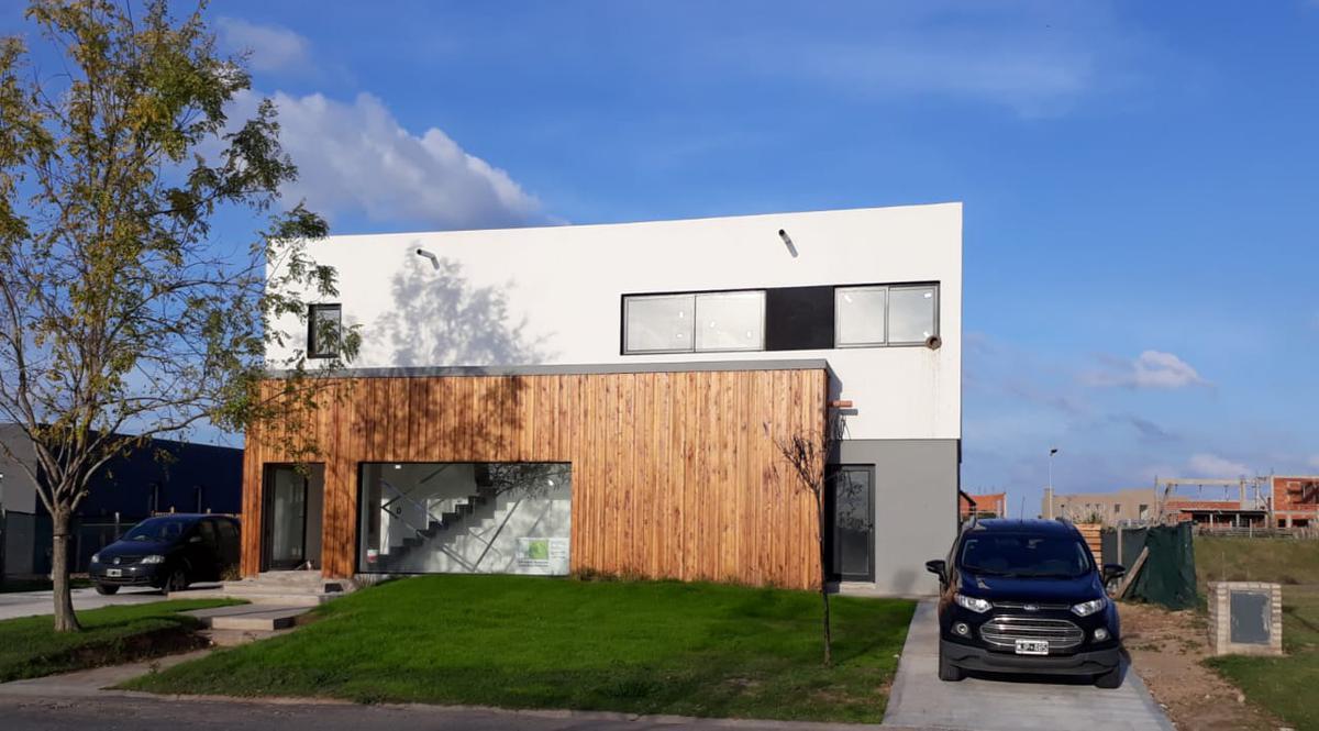 Foto Casa en Venta en  El Canton,  Countries/B.Cerrado (Escobar)  Barrio Golf al 100