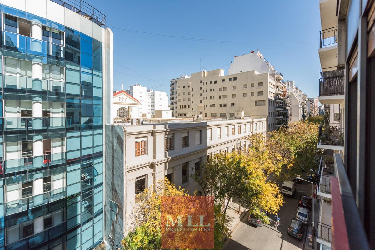 Foto Departamento en Venta en  Barrio Norte ,  Capital Federal  Juncal y Libertad,  semipiso con cochera, impecable