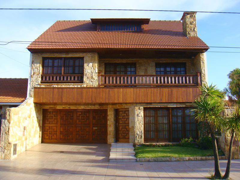 Foto Casa en Venta en  La Perla Sur,  Mar Del Plata  Brandsen  y Guido