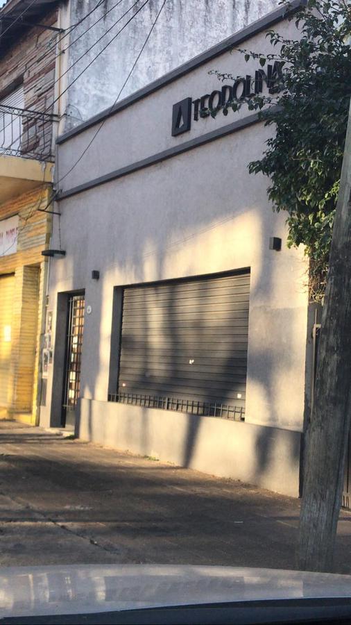 Foto Local en Alquiler en  Don Torcuato,  Tigre  Avenida Torcuato de Alvear al 900