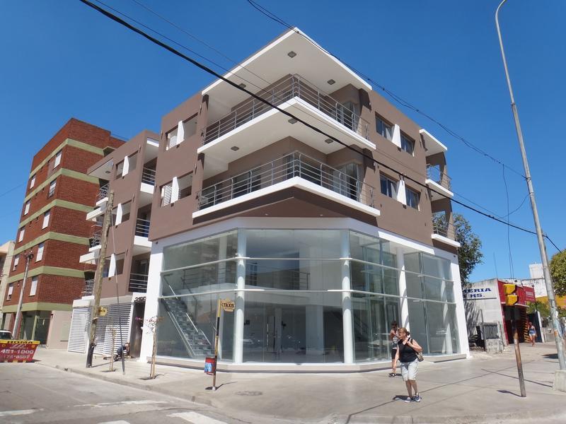 Foto Local en Alquiler en  Chauvin,  Mar Del Plata  Av. Independencia y Quintana