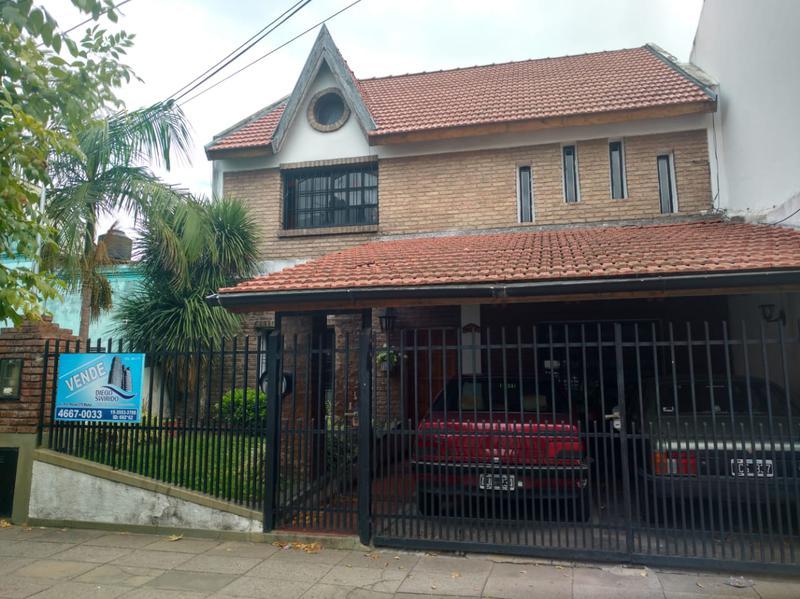 Foto Casa en Venta en  Moron ,  G.B.A. Zona Oeste  Moron
