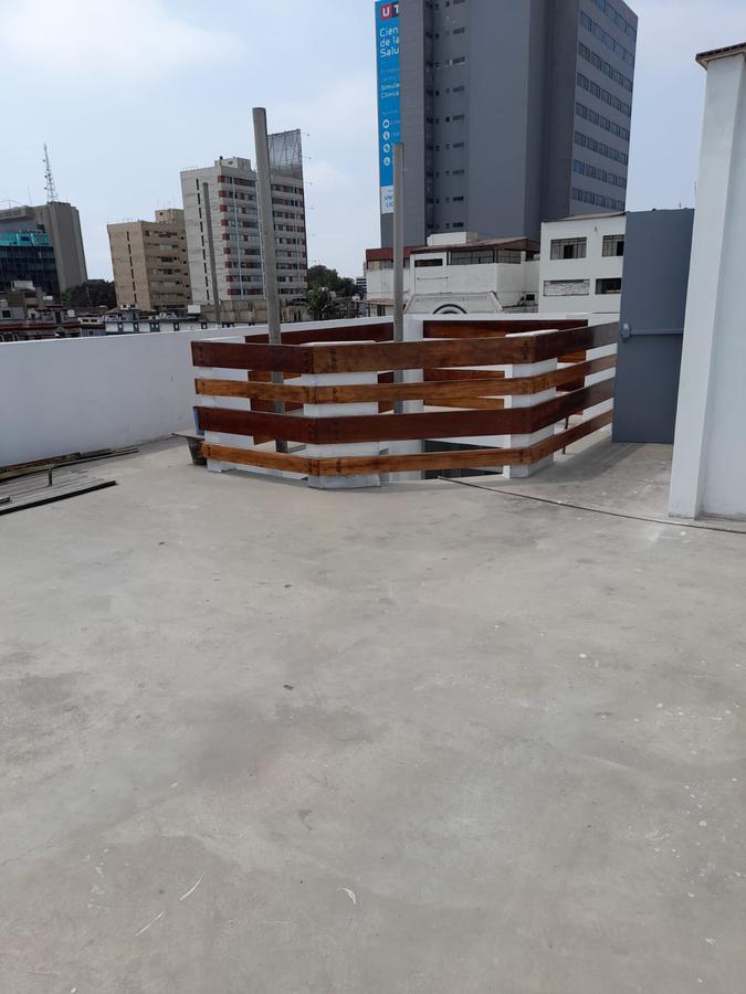 Foto Local en Alquiler en  Lima ,  Lima  Avenida Petit Thouars