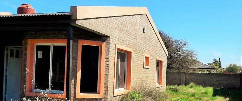 Foto Casa en Venta en  Malvinas Argentinas,  Santa Rosa  Salveire al 2900