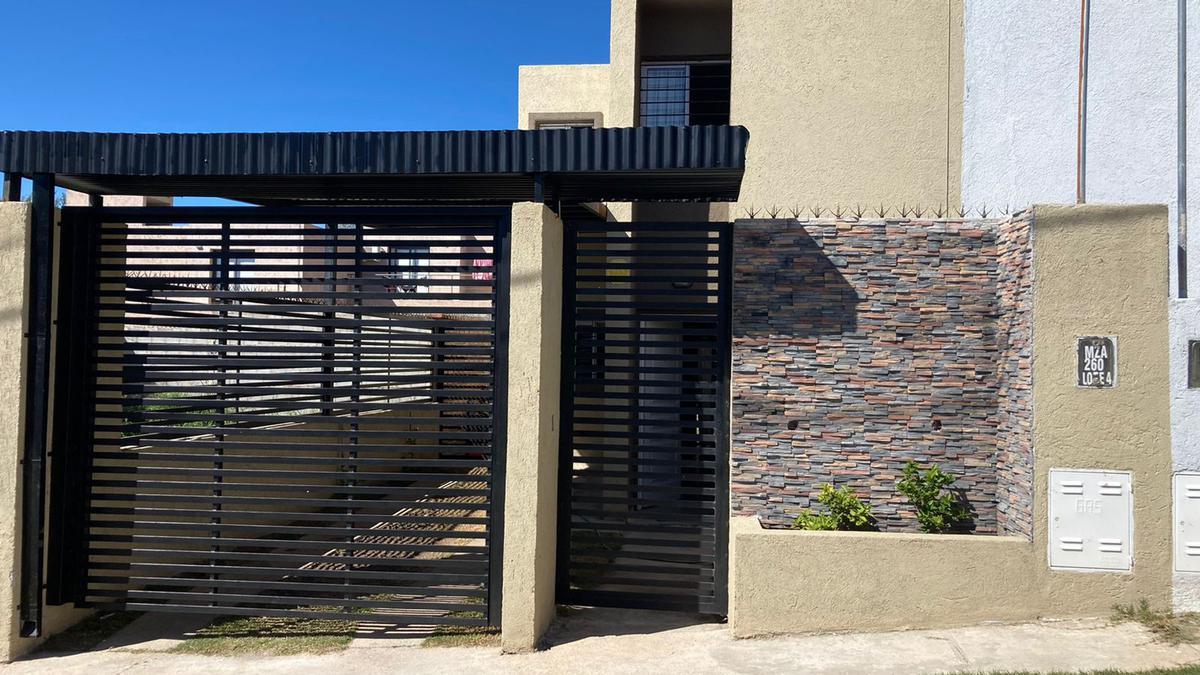 Foto PH en Venta en  La Calera,  Colon  Duplex a la venta en  Calera, barrio los Prados 2