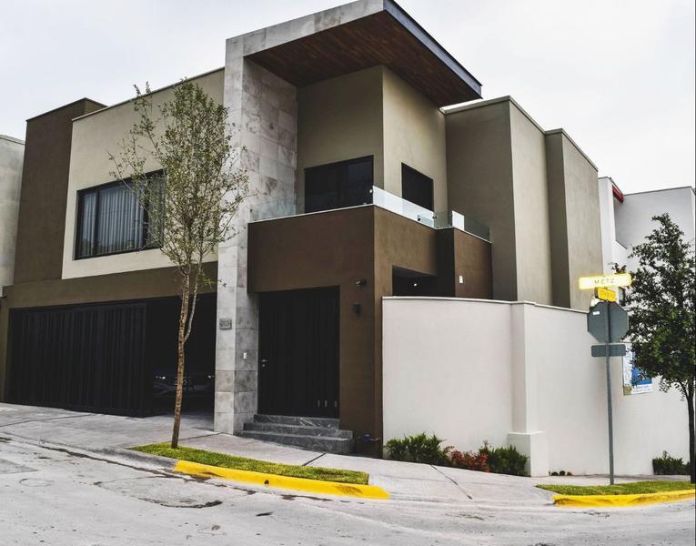 Venta de Casa 3 recamaras en Monterrey Bosques de Las Cumbres B-7