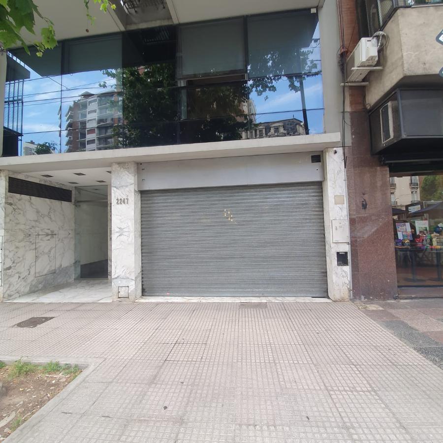 Foto Local en Alquiler en  Recoleta ,  Capital Federal  Av. Pueyrredón al 2200