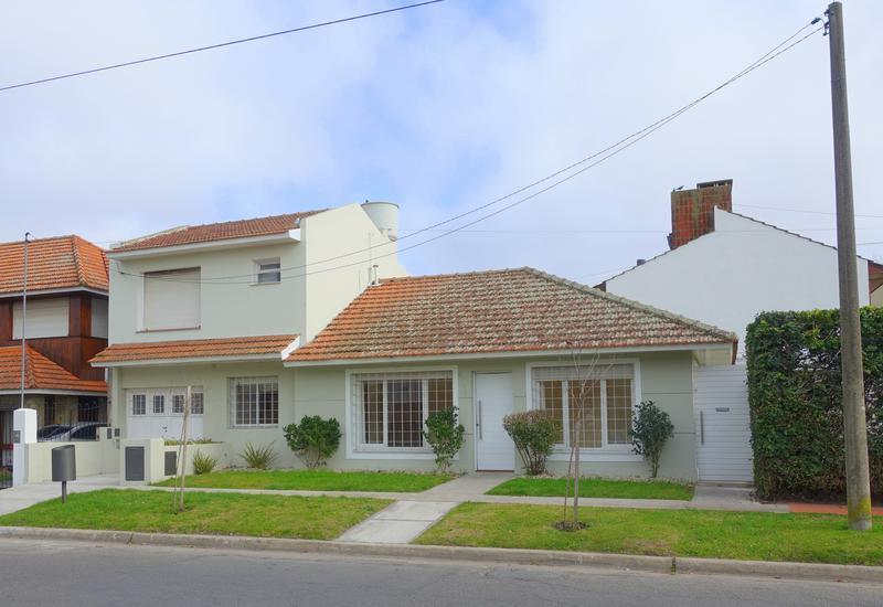 Foto Casa en Venta en  Divino Rostro,  Mar Del Plata  Güemes  y Laprida