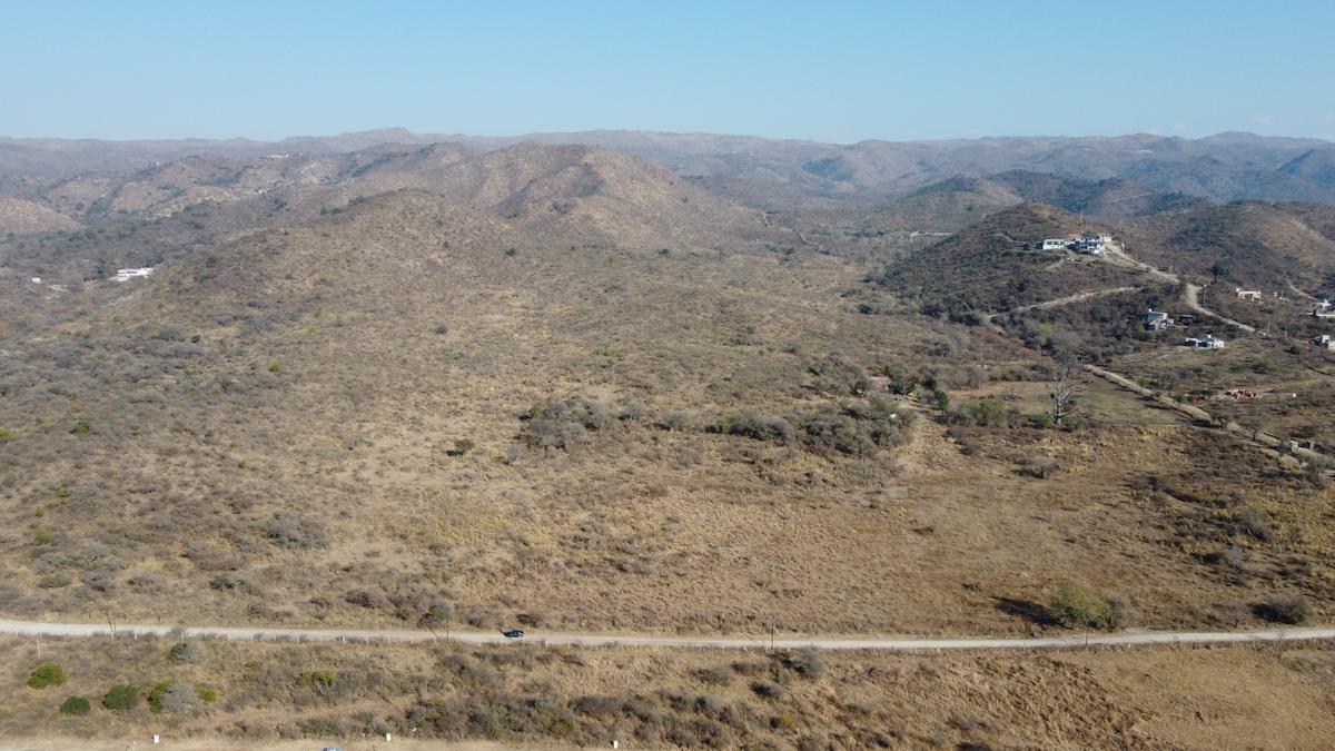 Foto Terreno en Venta en  Tiro Federal,  Alta Gracia  HERMOSO CAMPO! 4 HECTÁREAS al pie de las Sierras-Alta Gracia