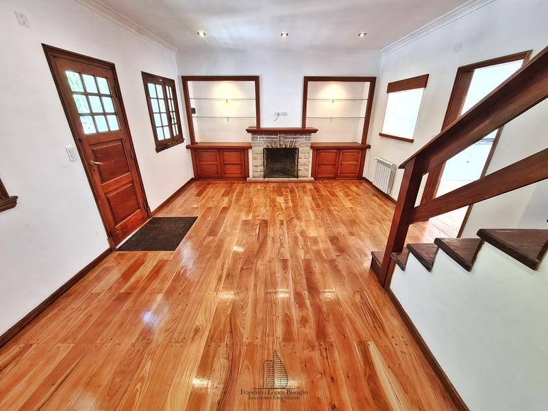 Foto Casa en Venta en  San Carlos,  Mar Del Plata  Azcuenaga al 2100