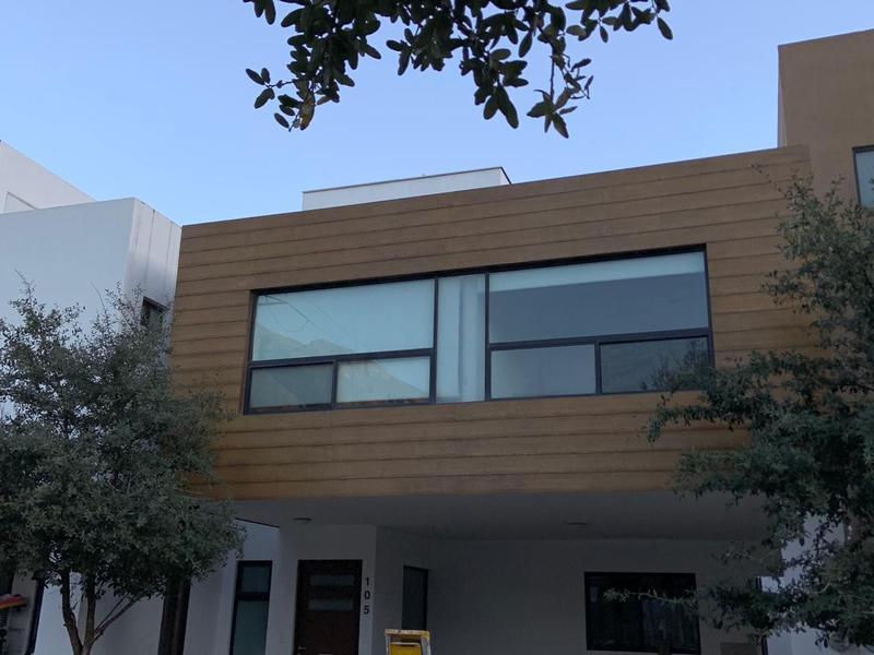 Foto Casa en Renta en  El Vergel,  Monterrey  Casa en Renta en Fracc. La Privada del Vergel - Zona Carr. Nacional