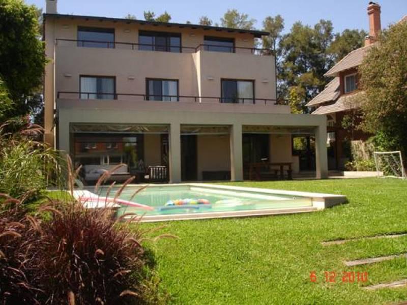 Foto Casa en Venta en  Marinas del Sol,  San Fernando  escalada al 2400
