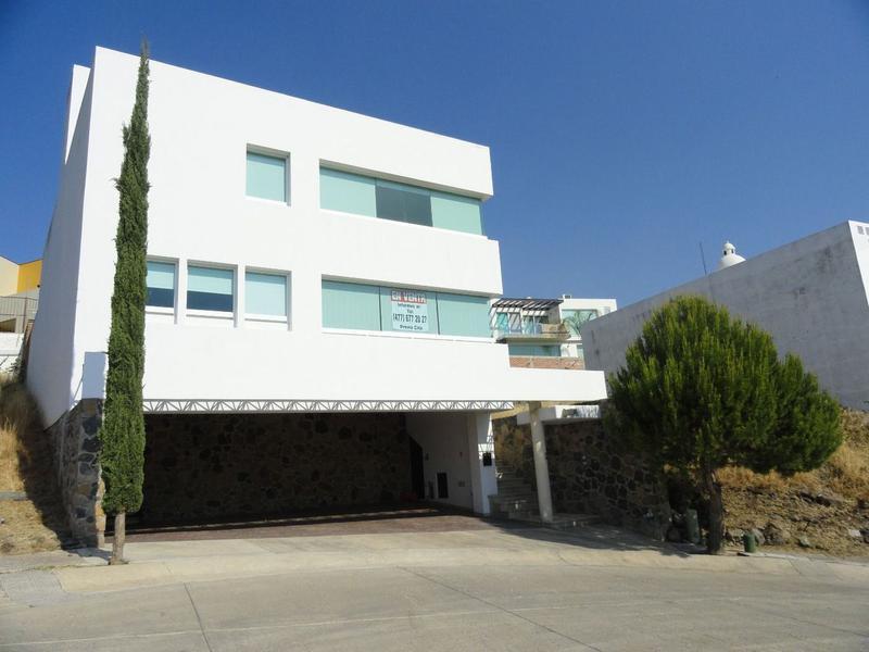 Foto Casa en condominio en Venta en  Porta Fontana,  León  Casa en VENTA en Porta Fontana, amplios espacios, gran oportunidad