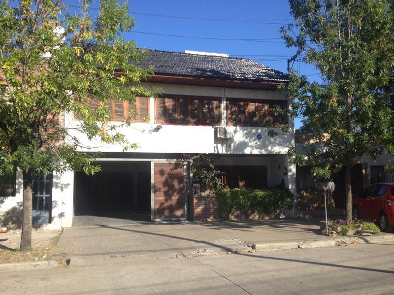 Foto Casa en Venta en  La Plata ,  G.B.A. Zona Sur  35 entre 28 y 29