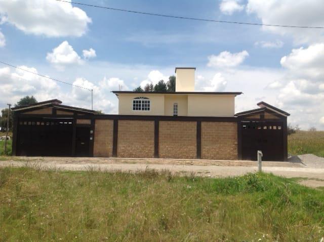 Foto Casa en Venta en  San Bartolomé Tlaltelulco,  Metepec          San Bartolome Tlatelulco    Casa En Venta $2,050.000
