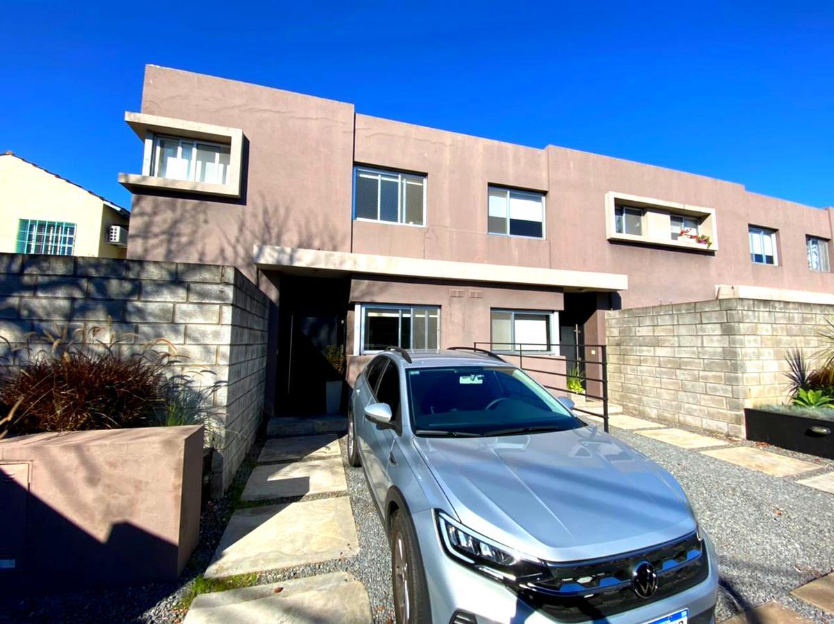 Foto Casa en Venta en  Martinez,  San Isidro  DIAGONAL SALTA AL al 1400