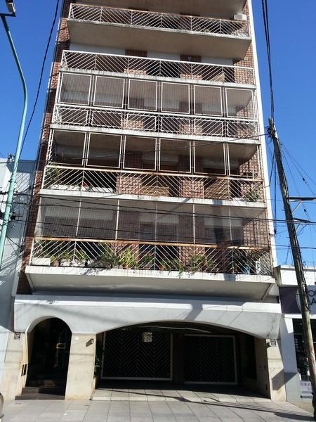 Foto Departamento en Alquiler en  Lomas de Zamora Este,  Lomas De Zamora  Av. Almirante Brown 2443 4° C