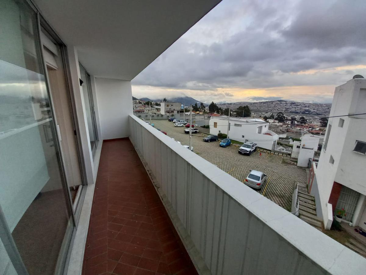 Foto Departamento en Venta en  El Pinar,  Norte de Quito  PINAR ALTO
