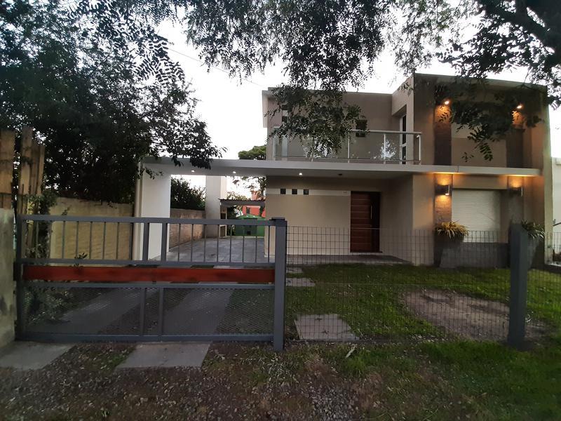 Foto Casa en Venta en  Colonia del Sacramento ,  Colonia  Duplex de 3 dormitorios en hermoso barrio