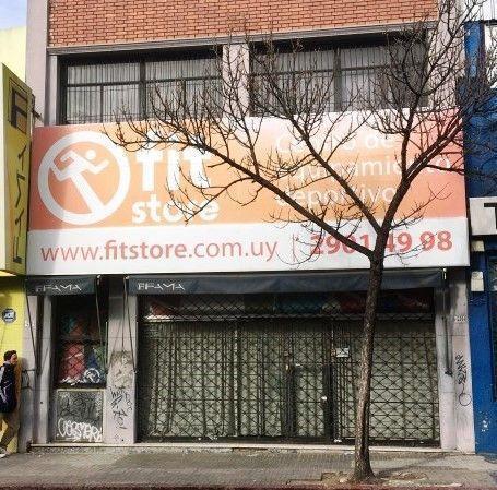 Foto Local en Venta en  Centro (Montevideo),  Montevideo  PAYSANDU CENTRICO